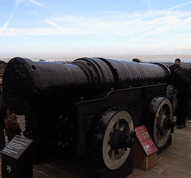 Mons Meg Edinburgh Castle (2).JPG