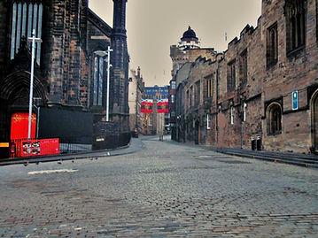 Edinburgh royal mile castlehill road view to edinburgh castle