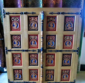 Queen's Linen Cupboard Royal Palace Stir