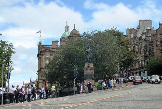 Allaboutedinburgh Black watch Statue on the Mound Edinburgh