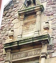 allaboutedinburgh royal mile castlehill canaonball house carved wall plaque