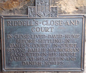 Riddles Close and Court Plaque