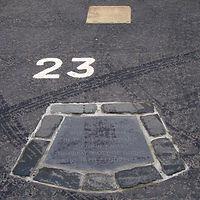 john knox grave saint giles cathedral High Street Royal Mile car park