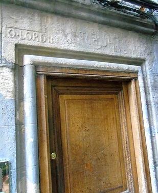 Boswell Court Castlehill Witchery Restaurant inscription