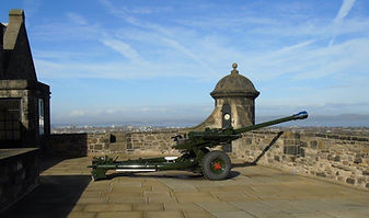 One O'clock Gun Edinburgh Castle.JPG