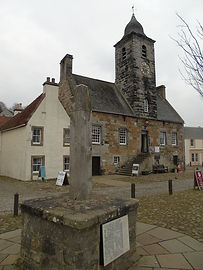 Crossford Fife Cranesmuir, the adventures and romance of the two main characters, Jamie and Claire