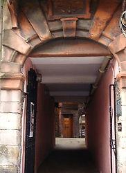 riddle's court entrance royal mile lawnmarket