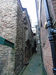 Mowbray House in Trunk's Close High Stre