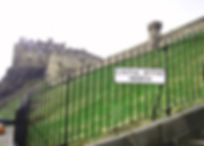 allaboutedinburgh royal mile castlehill castle wynd steps sign