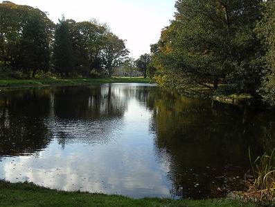 Gosford House Lagoon house in back.JPG