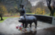 wojtec the bear memorial statue princes street gardens edinburgh