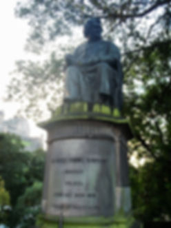 statue james young simpson princes street edinburgh