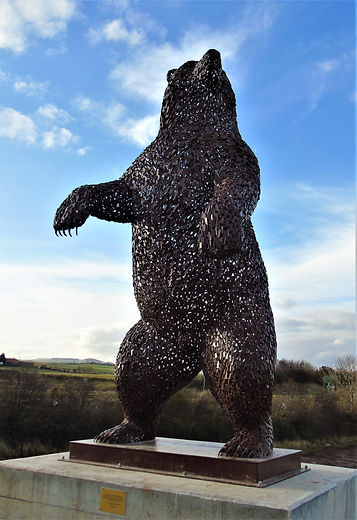 Dyn The Bear A monument by the sculptor Andy Scott