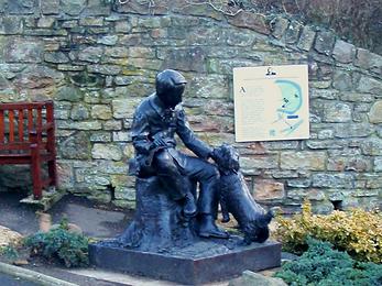 Robert Luois Stevenson Statue as a Boy