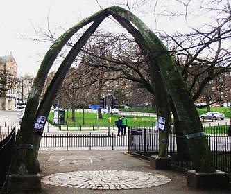 THE WHALE'S JAW-BONE ARCH, Jawbone Walk Marchmont Edinburgh