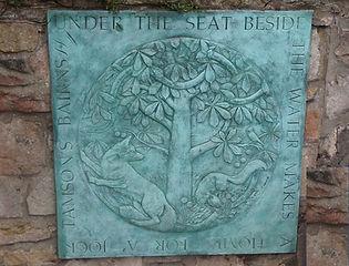 the easy way up arthur seat at duddingston loch edinburgh