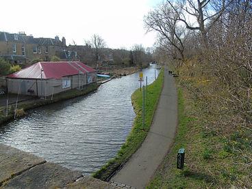Union Canal Walkway Barge tours Edinburg