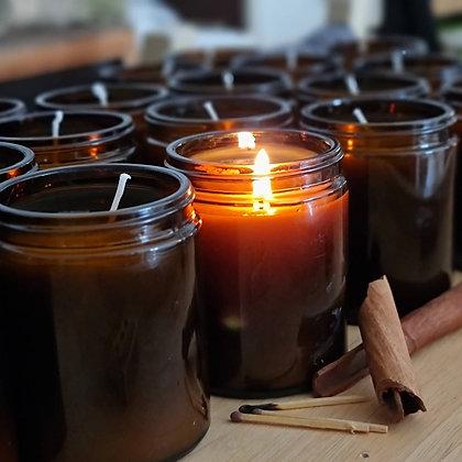 נרות ארומתרפיים מתמציות צמחים מפיצים ניחוחות נפלאים לבית למשרד ועל שולחן העבודה