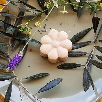 סבון שיבולת שועל עשיר בחמאת שיאה וקרם קוקוס של לימא ארומתרפיה