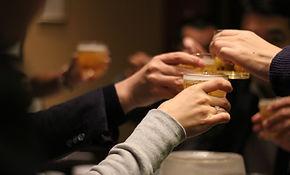 cheers-2636510_1920_edited.jpg