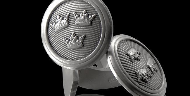 Manschettknappar Slottet, Tre Kronor på rund form i oxiderat silver.