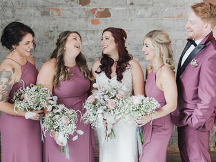 The Pros and Cons of Not Having a Bridal Party