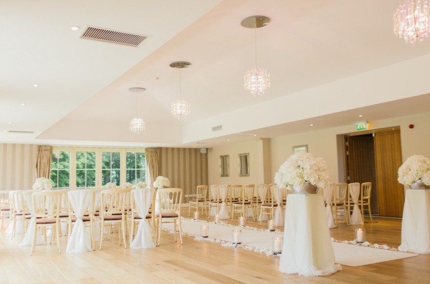 Emma Louise Wedding Planner here to help you create your dream wedding