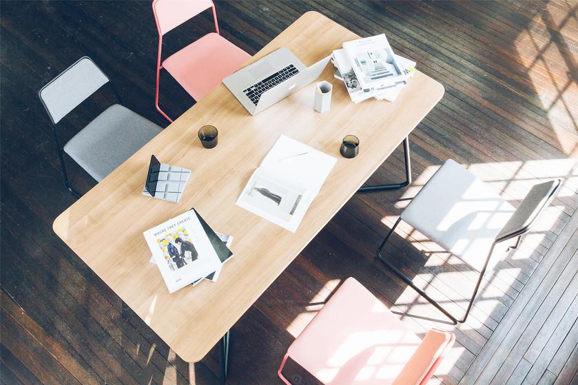 swan-table-3jpg