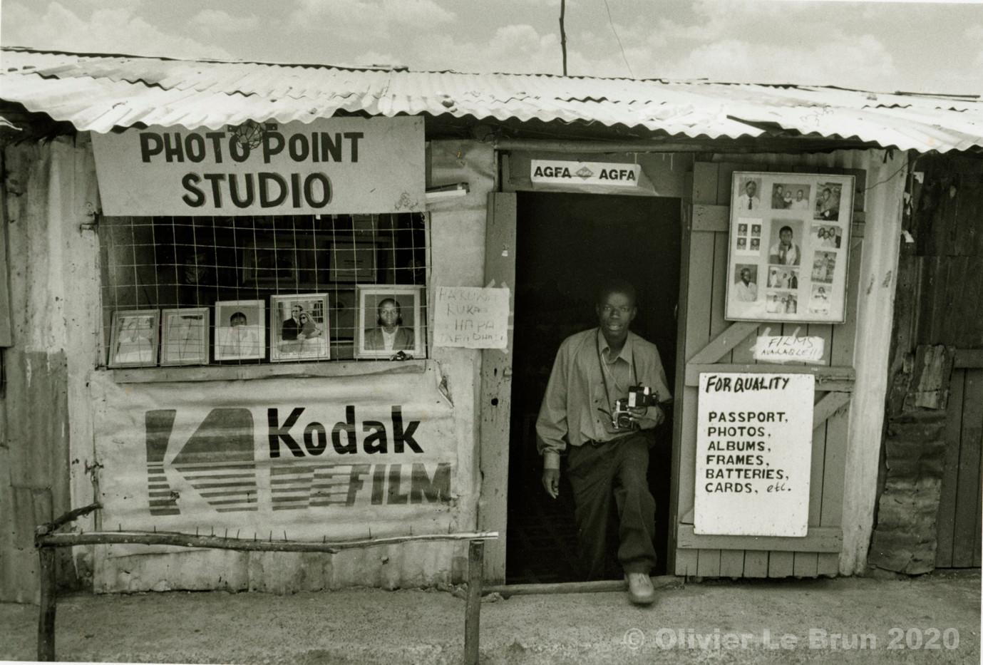 08 studios photo Nairobi, Kenya, 2007.jp