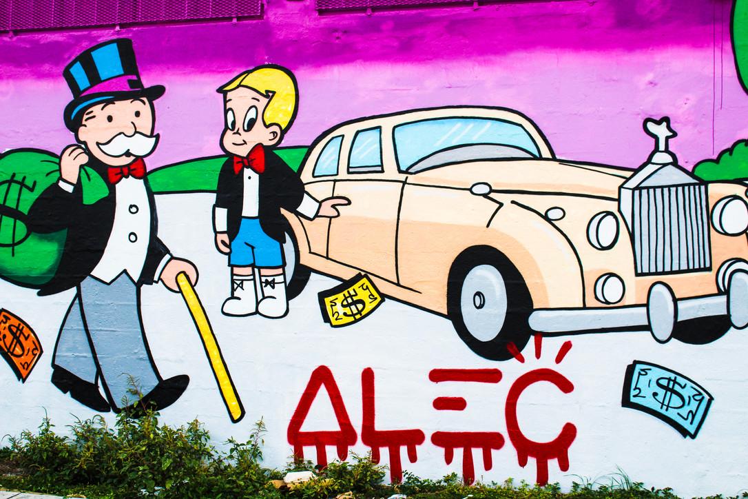 Hollywood Hamilton clothing street art Alec Monopoly mural miami wynwood pink rolls royce monopoly man richie rich