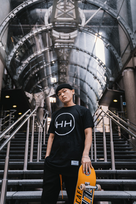 Hollywood Hamilton circle logo tee london