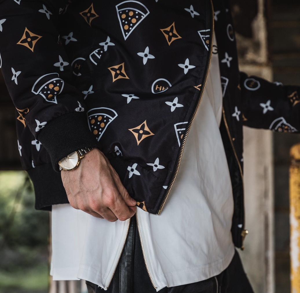 Hollywood Hamilton gourmet pizza bomber jacket close up