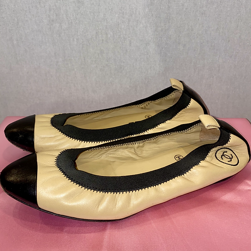 Chanel leather pumps (5)