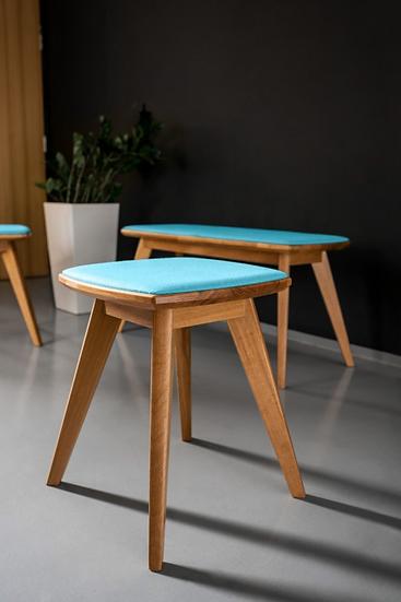 Holzhocker mit Sitzkissen, Eiche, Einsitzer