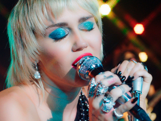 Miley Cyrus - 'Zombie' and 'Boys Don't Cry' Review