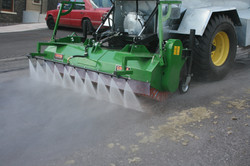 Road Wash Tanker with Brush