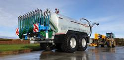 Cross 3000 Gallon Tandem Slurry Tanker with Bomech Trailing shoe