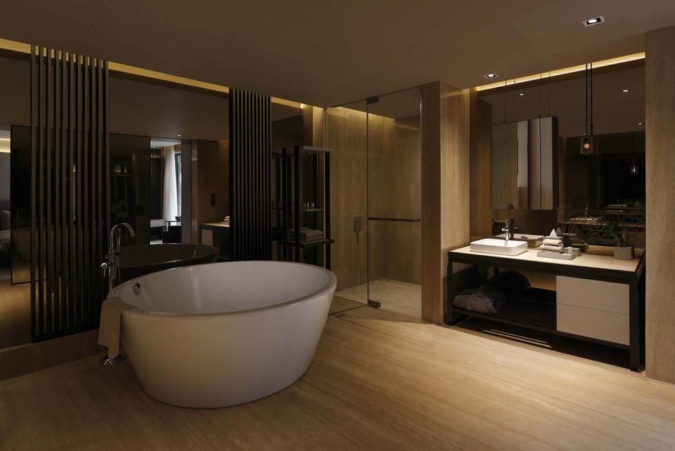The Roseate House Bathroom