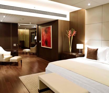 Oberoi New Delhi Kohinoor Suite Master Bedroom
