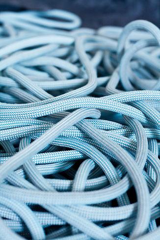 blue-bundle-climbing-1887836.jpg
