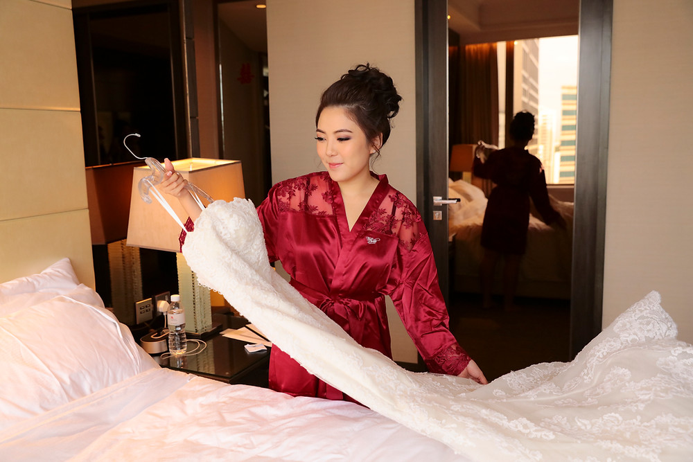 Bride Preparation at Singapore Marriott Tang Plaza Hotel| Equarius Photography