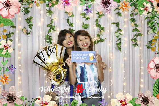 Wedding Photobooth with Fairylights and Flora Deco at Singapore Marriott Tang Plaza Hotel
