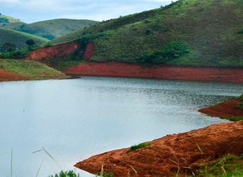 Alckmin quer reduzir participação da população nas decisões sobre gestão da água