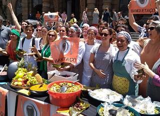 Banquetaço mostra a Doria que alimentos a serem descartados podem ter qualidade