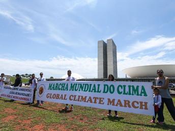 Marcha Mundial do Clima entrega pauta no Congresso contra emissão de gases