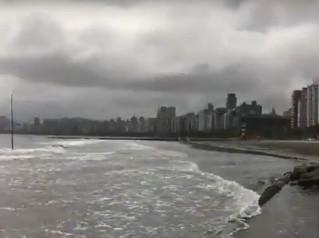 Impactos da elevação das marés em Santos já são visíveis