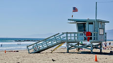 California%20lifeguard%20station_edited.