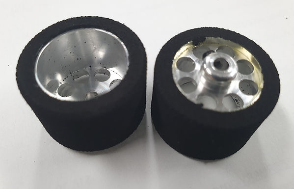 PLAFIT-811815-RTR Rear Wheels/Tyres 18 x 16 x 24.4mm (pair)