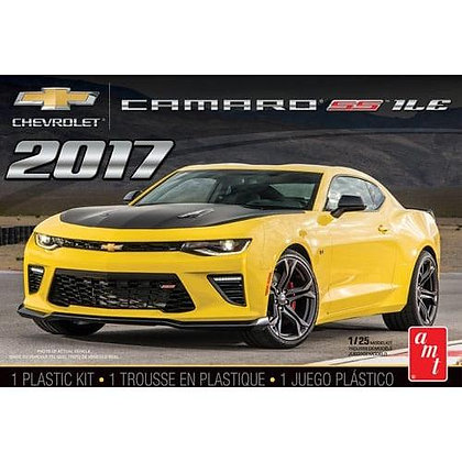 AMT 1074 2017 Chevy Camaro SS Model Kit 1/25