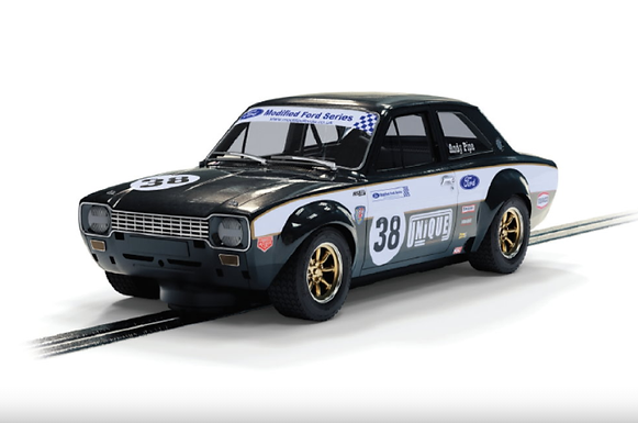 SCALEXTRIC-C4237 Future Release Ford Escort MK1 #38 Andy Pipe Racing